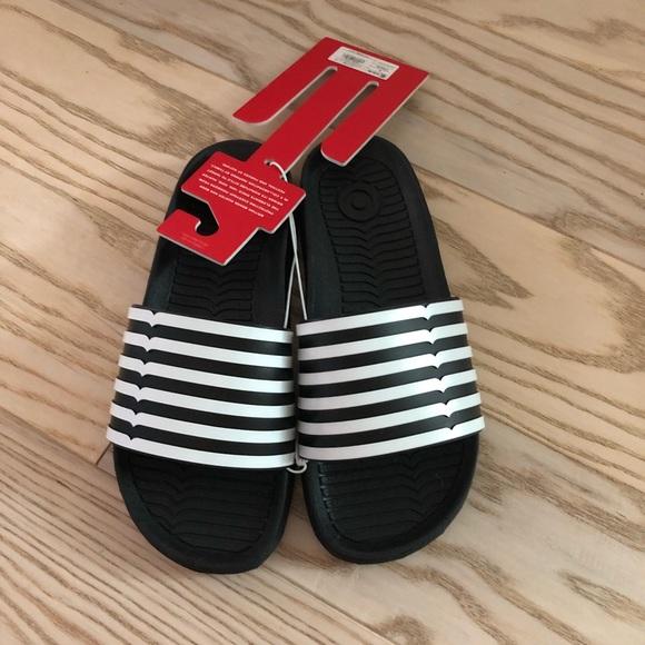 663dde284752 Hunter for Target Slide Sandals